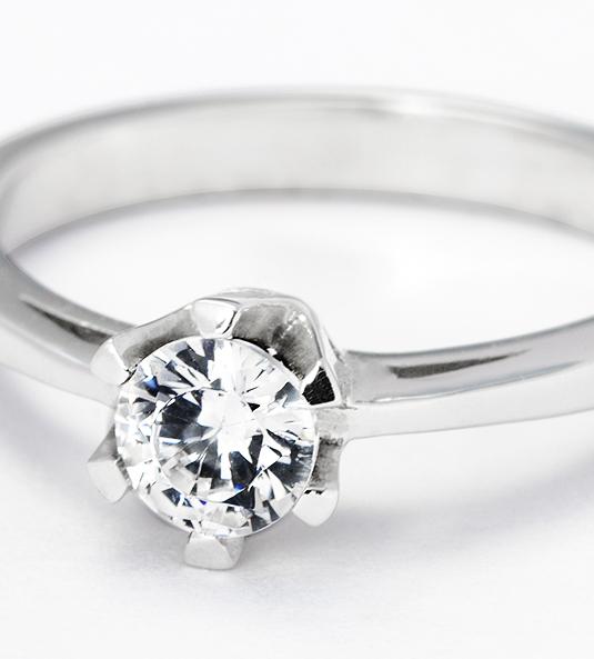 Navas-Joyeros_Solitario-diamante_SARA-NAVARRO-04_detalle