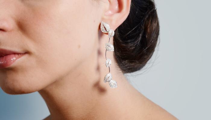 Pendientes de diamantes HIEDRA, perfectos para un look de novia sencillo al que aportará elegancia, originalidad y luminosidad