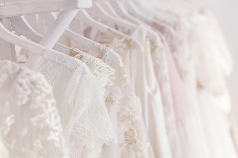 vestidos-colgados-tienda
