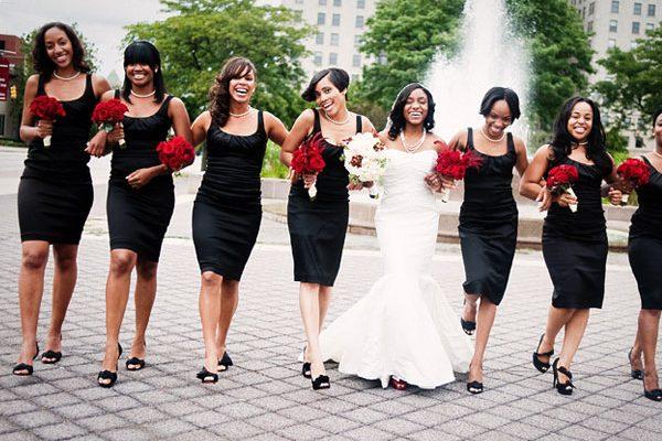 Vestido negro para boda al mediodia
