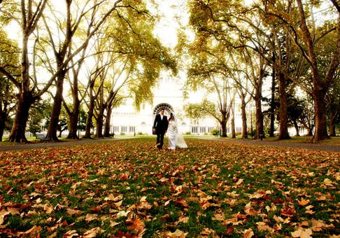 101306-autumn-wedding-reception-ideas-2