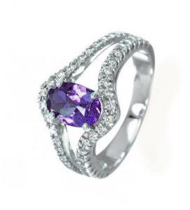 navas-joyeros_anillo-diamantes-amatista_royal