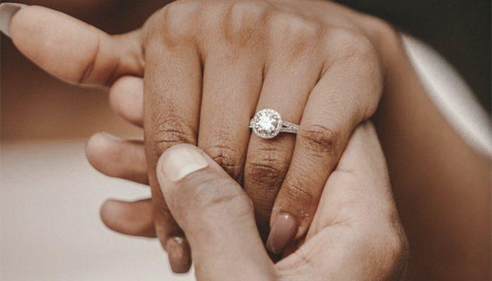 15e7499ebd04 Elige tu anillo de compromiso entre uno de nuestros diseñadores - Blog  Navas Joyeros Boda